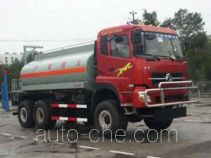 Dongfeng desert off-road oil tank truck EQ5240GYYX