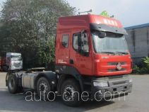 Chenglong dangerous goods transport tractor unit LZ4242M5CA